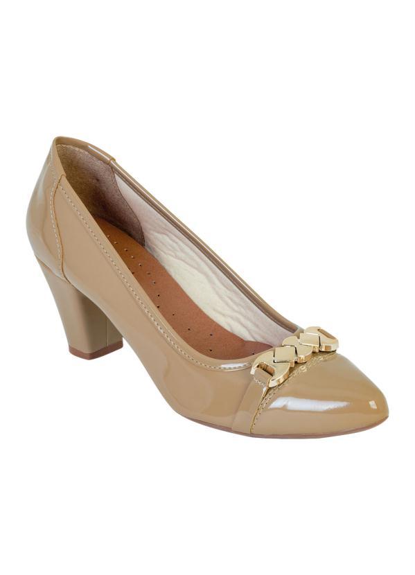 Sapato de Salto (Bege) com Detalhe Dourado