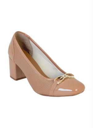 Sapato (Nude) com Bico Quadrado e Detalhe Dourado