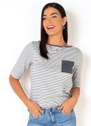 Blusa Listrada com Bolso Frontal