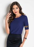 Blusa Azul e Preta com Recorte em Renda