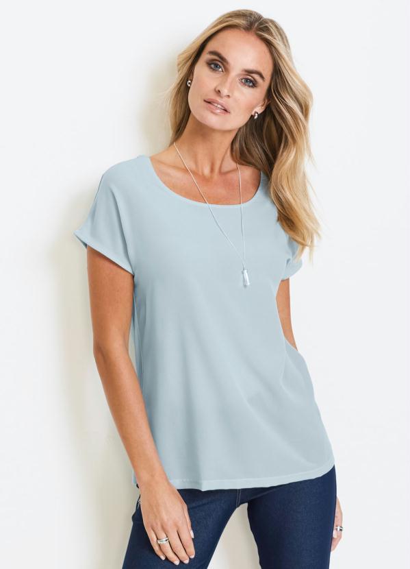 Blusa Básica Decote Redondo (Azul Claro)