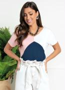 Blusa com Recortes em Azul, Off White e Rosa