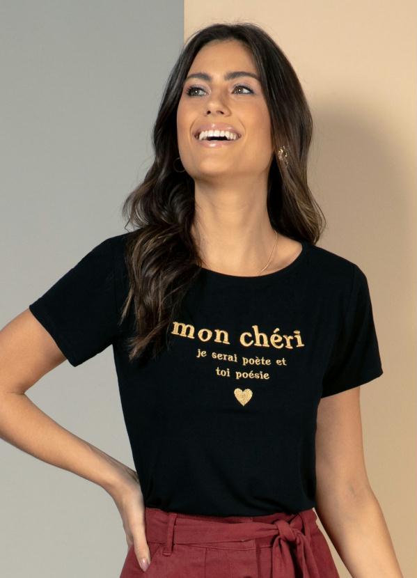 T-Shirt (Preta) com Bordado Frontal