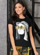 T-Shirt Preta com Estampa Frontal