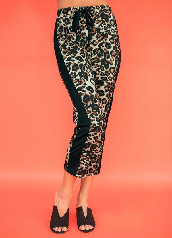 Calça Sideband com Estampa Animal Print (Marrom)