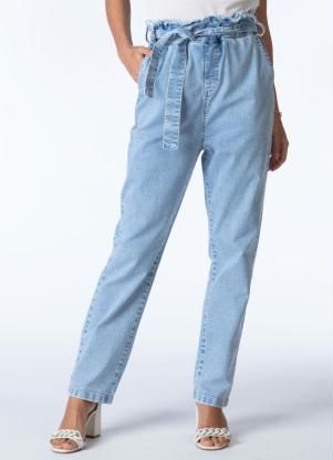 Calça Mom (Jeans Claro) com Faixa na Cintura