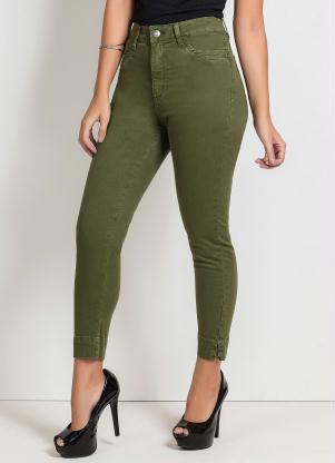 Calça Cropped (Verde Militar) com Fendas Sawary