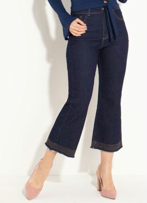 8884e086ed Calça Jeans Pantacourt Azul com Barra Flare - Quintess