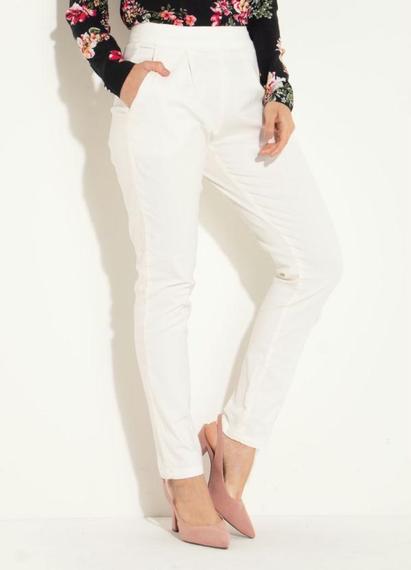 Calça Jeans (Off White) Quintess Skinny com Bolsos