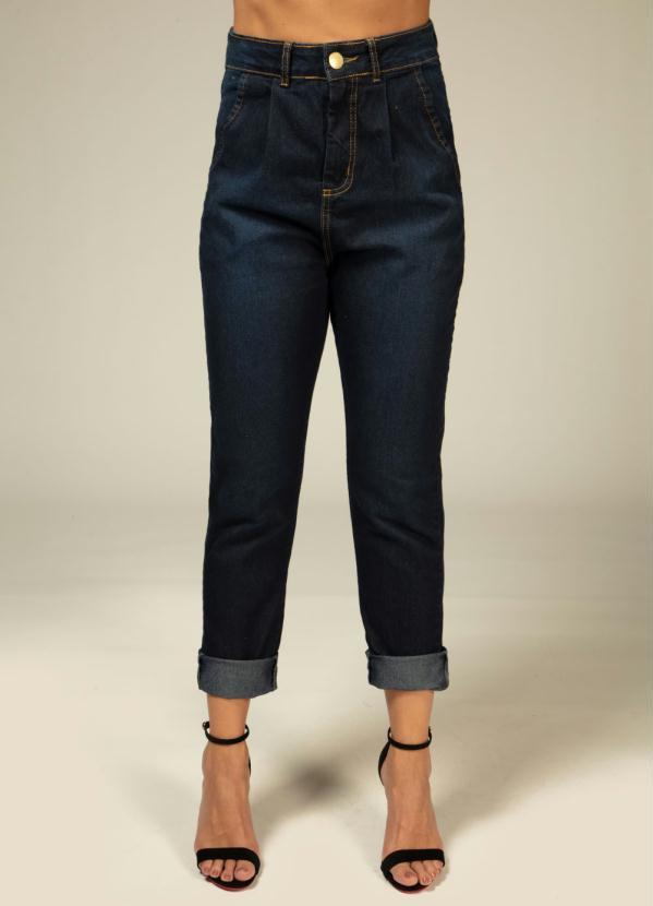 Calça Mom (Jeans Escura) com Pregas na Cintura