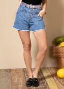 Short Jeans Médio com Pala Frontal e Bolsos