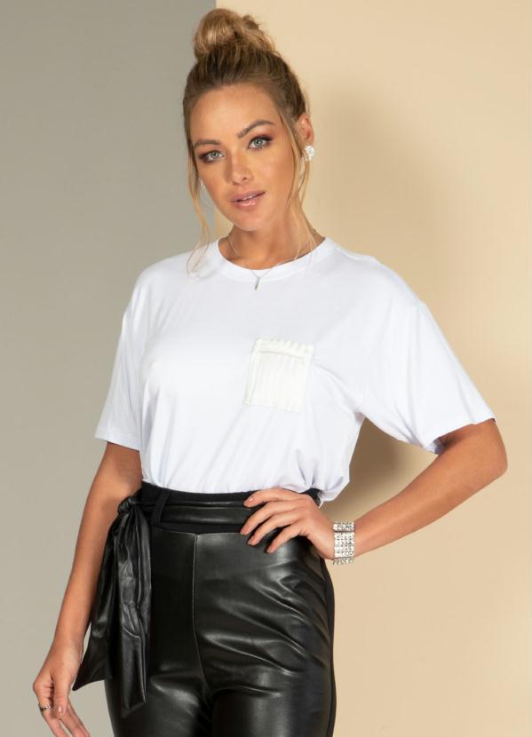 Blusa Soltinha (Branca) com Detalhes de Strass