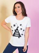 T-Shirt Branca com Estampa Frontal