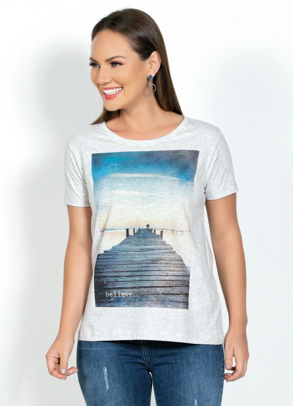 T-Shirt com Estampa Frontal (Mescla Off)