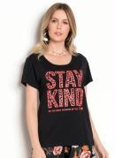 T-Shirt Preta com Estampa Frontal Neon