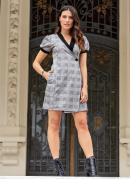 Vestido Cinza com Decote V Transpassado