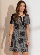 Vestido Clássico Lenço Preto com Recortes