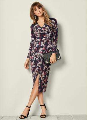 Vestido com Fenda Estampado (Preto Floral)