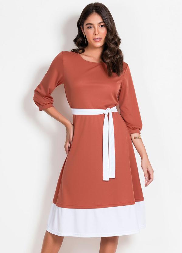 Vestido (Marrom) com Recorte Moda Evangélica