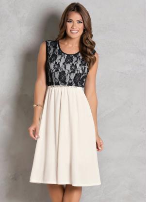 360c57f6356d Vestido Off White com Renda Moda Evangélica - Quintess