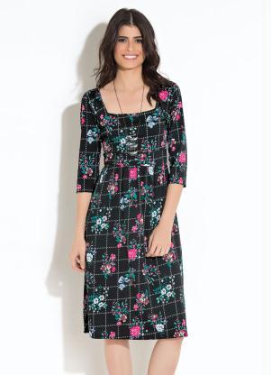 7307c174a7 Vestido Quintess Midi Xadrez com Floral - Quintess