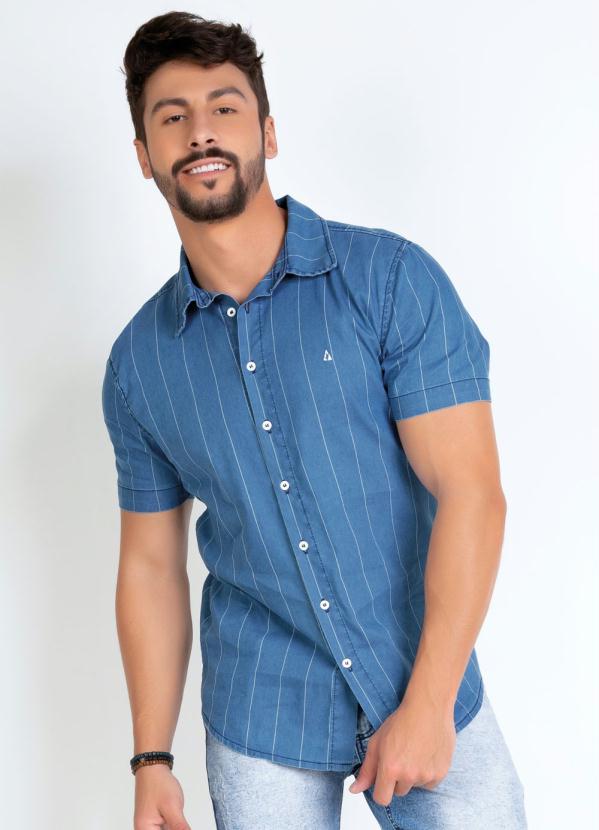 Camisa (Listrada) com Mangas Curtas e Botões