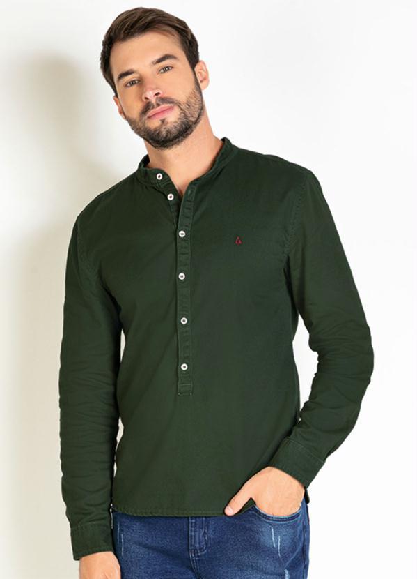 Camisa (Verde) com Botões Contrastantes