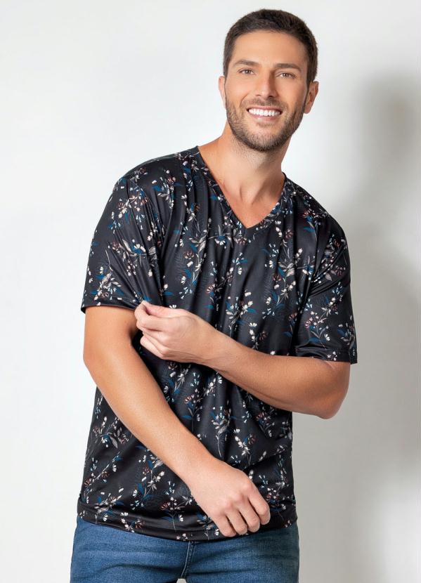 Camiseta Actual (Floral Preta) com Decote V