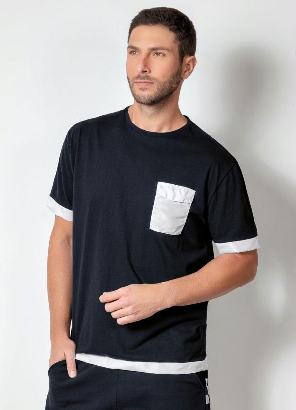 Camiseta Actual (Preta) com Bolso Funcional