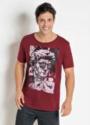 Camiseta Bordô com Estampa e Manga Curta