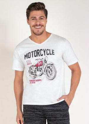 Camiseta (Branca) com Decote V e Estampa Frontal