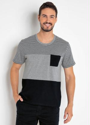 Camiseta Masculina (Mescla) com Bolso e Recortes