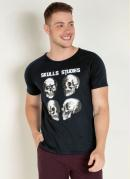 Camiseta Preta com Caveiras