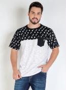 Camiseta Preta e Branca com Recorte e Bolso