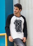 Camiseta Manga Longa Raglan Branca e Preta