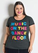 T-Shirt Chumbo com Estampa Colorida Plus Size