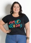 T-Shirt com Frase Preta Plus Size
