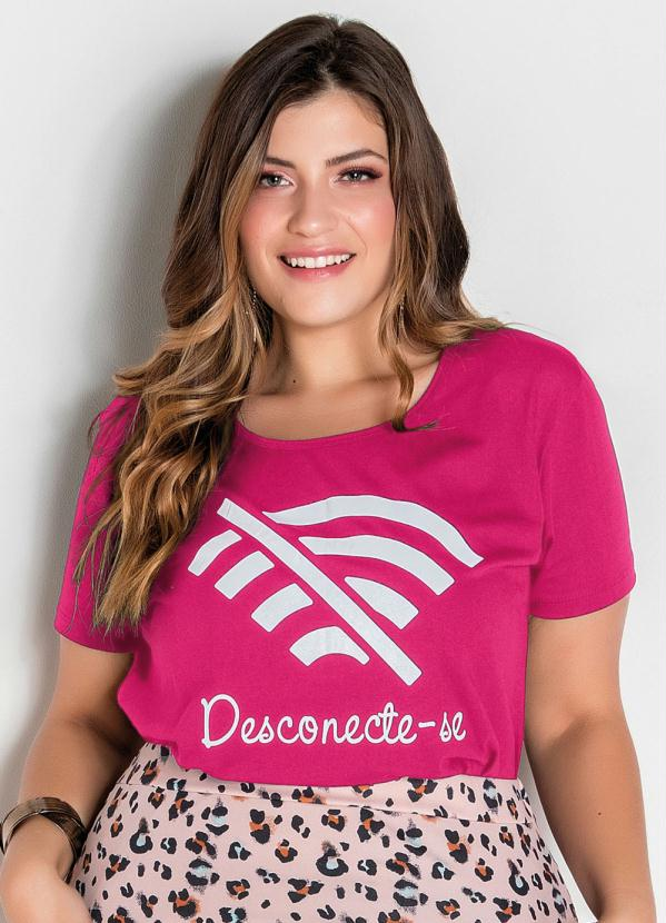 T-Shirt (Pink) com Estampa Frontal Plus Size