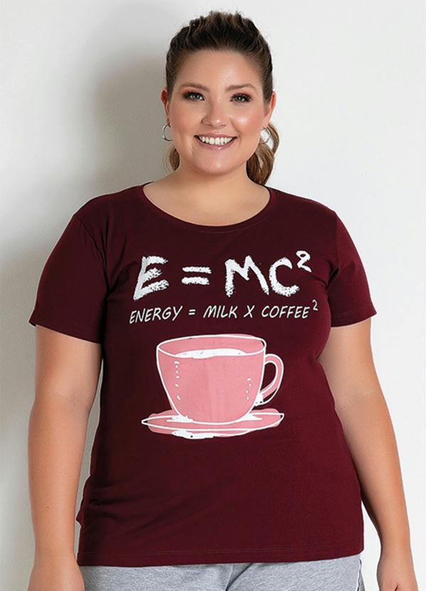 T-Shirt (Vinho) com Estampa na Frente Plus Size