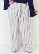 Calça Plus Size de Linho Listrada com Amarração
