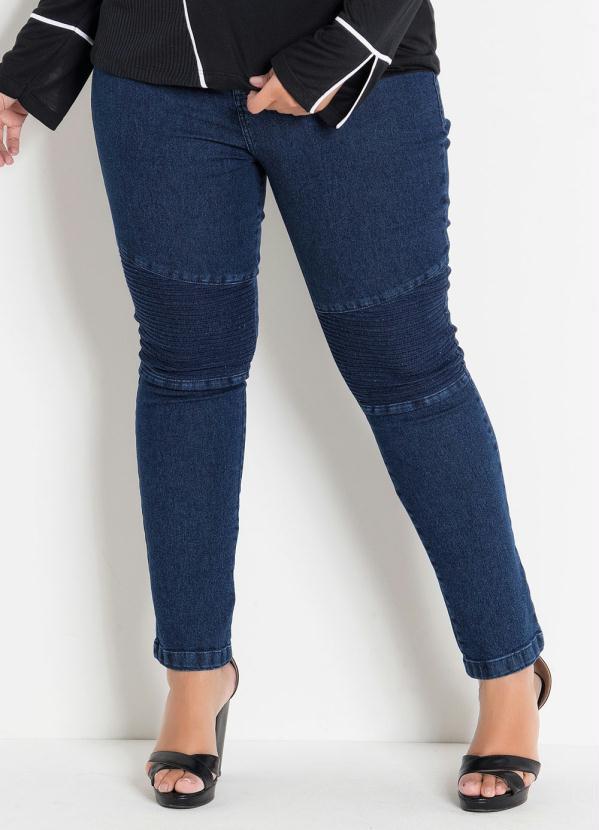 Calça (Jeans) Plus Size com Efeitos no Joelho