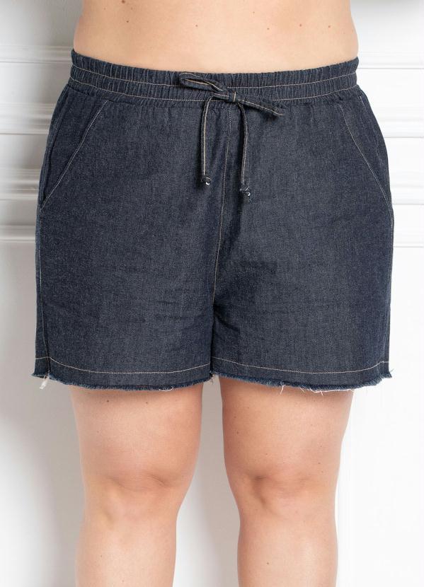 Short com Bolsos (Jeans Escuro) Plus Size
