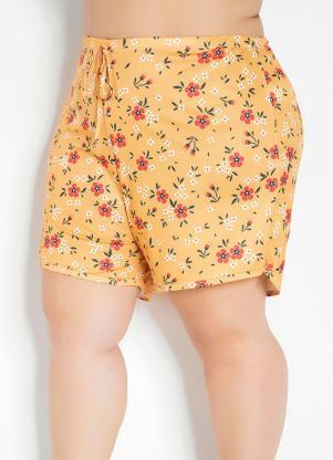 Short (Floral) com Barra Assimétrica Plus Size