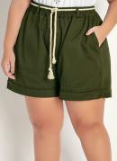 Short Verde com Bolsos Funcionais Plus Size