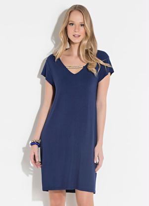 bd53170bc5 Vestido Clássico Azul com Aplique Imitando Colar - SouLojista