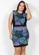 Vestido Curto Floral com Recortes Plus Size
