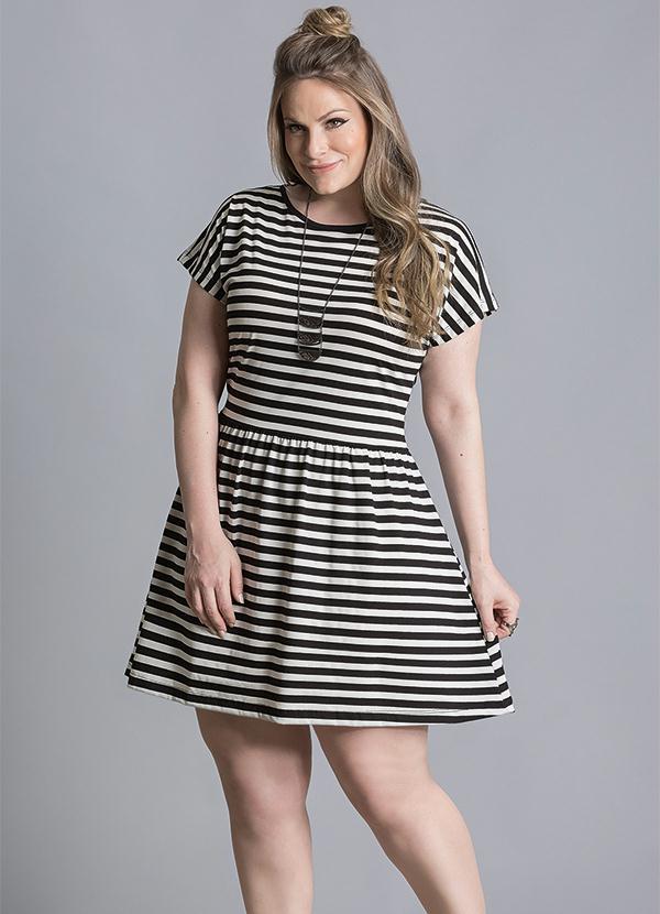 Vestido (Listrado Preto e Branco) Plus Size